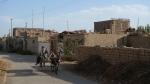 Calle de Turfan con los secaderos de uvas