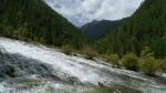Agua desparramandose por el valle