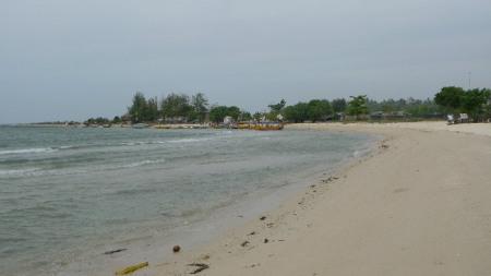 Playa de Jepara con la marea baja